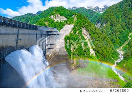 초여름의 구로베 댐 67265899