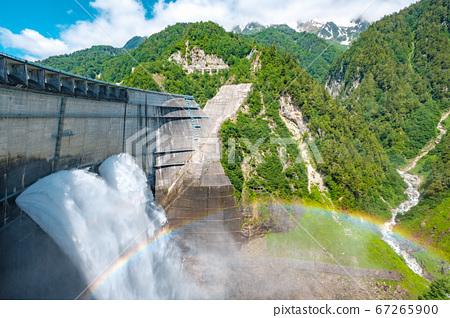 초여름의 구로베 댐 67265900