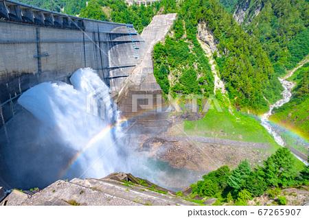 초여름의 구로베 댐 67265907