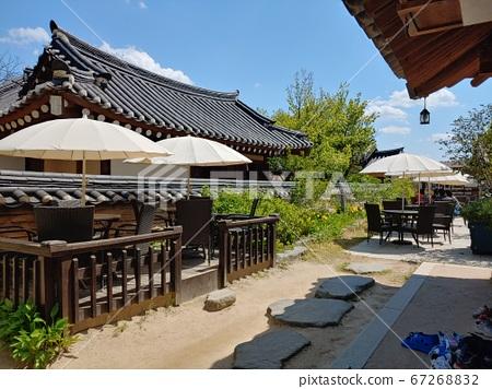 Korean meaning, Korean landscape, Hanok, Korean image, Hanok landscape, Hanok image, tile house, stone wall, jar, Jangdok, traditional architecture 67268832