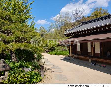 Korean meaning, Korean landscape, Hanok, Korean image, Hanok landscape, Hanok image, tile house, stone wall, jar, Jangdok, traditional architecture 67269128