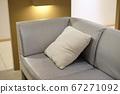 沙發和靠墊 67271092