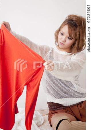 옷을 선택 여성 67286805