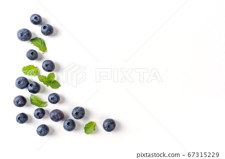 藍莓 水果 碗 頂視圖 blueberry fruit 苺 ブルーベリー ベリー フルーツ 果物 67315229
