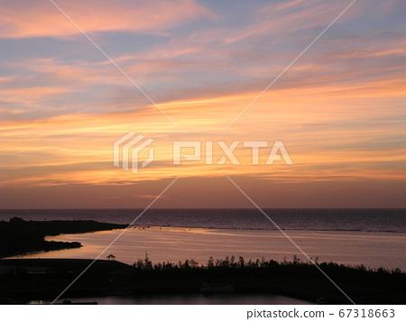 Miyakojima sunrise scenery 67318663