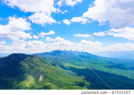 초여름의 蓼科山 등산 : 여자 乃神 찻집 (蓼科山 등산로 입구) 코스에서 바라 타케 67331107