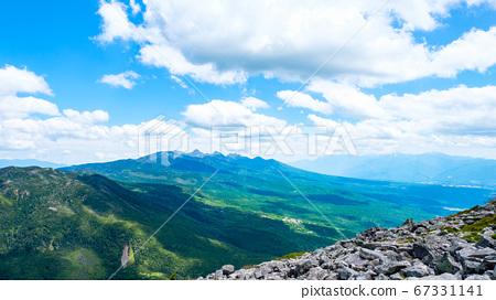 초여름의 蓼科山 등산 : 정상에서 바라 타케 67331141