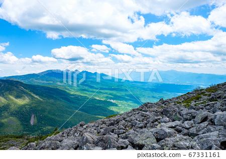초여름의 蓼科山 등산 : 정상에서 바라 타케 67331161