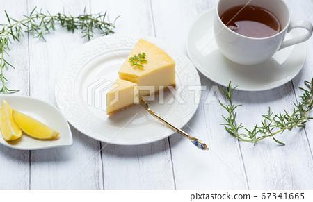 치즈 케이크와 홍차 티타임 67341665