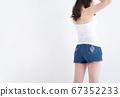 穿短裤的女人 67352233