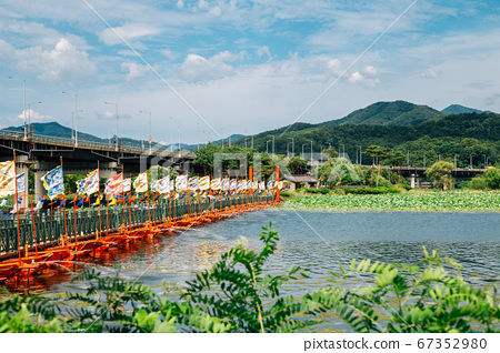 Bridge with river and mountain between Dumulmeori and Semiwon garden in Yangpyeong, Korea 67352980