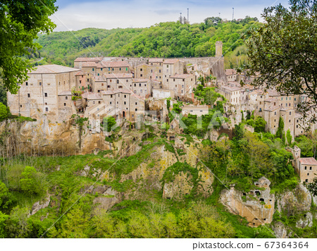 Picturesque view of Sorano, tuff mediaeval village in Tuscany, Italy 67364364