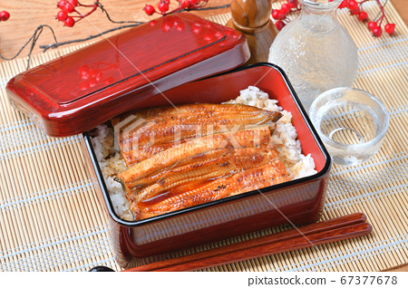 *公猪的内部是水。来自滨名湖,Unagi和Unaju的Unagi Kabayaki(Kabayaki,Kabayaki)。 67377678
