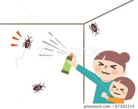 父母和孩子在房間裡的蟑螂上噴灑殺蟲劑 67383114