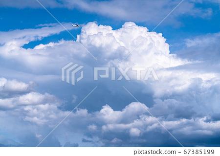 移民雲和飛機/夏日的天空 67385199