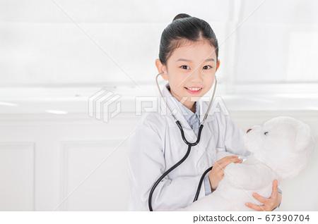 Happy children concept, a portrait of asian children smiling 487 67390704