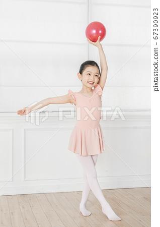 Happy children concept, a portrait of asian children smiling 349 67390923