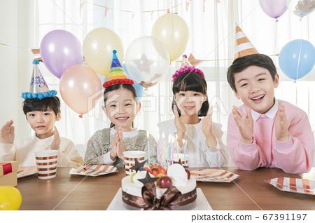 Happy children concept, a portrait of asian children smiling 217 67391197