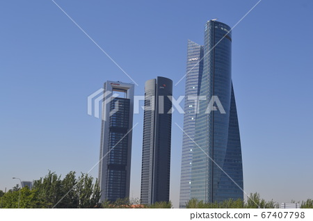Madrid Skyline. Madrid is finance street, where the 4 tallest sky scrapers in Spain are located. 67407798