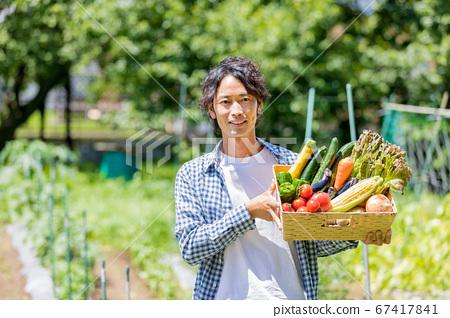 야채를 가진 남자 67417841