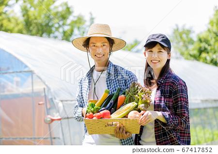 農村夫婦 67417852