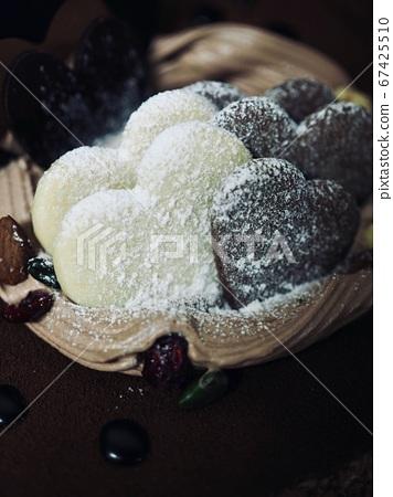 巧克力布朗心蛋糕 67425510