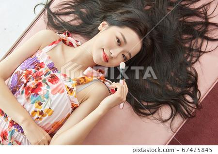 Beauty life of a woman in her twenties 67425845