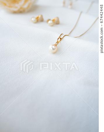 珍珠吊坠珍珠耳环 67442448
