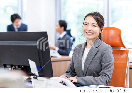 비즈니스 우먼 사무실 67454306