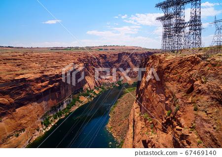 계곡과 강 송전선 67469140