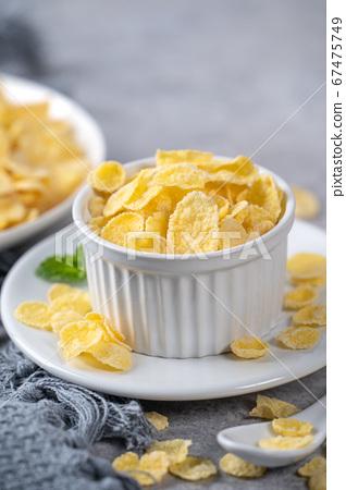 玉米片 甜點 早餐 湯匙 牛奶 corn flakes with milk コーンフレーク 牛乳 67475749
