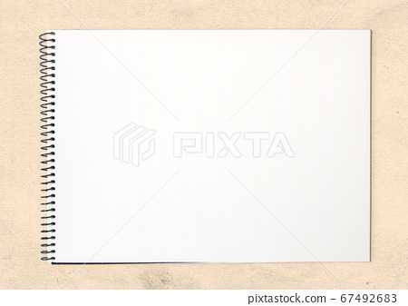 The educational drawing class  blank white sketch and memo book mock-up 67492683