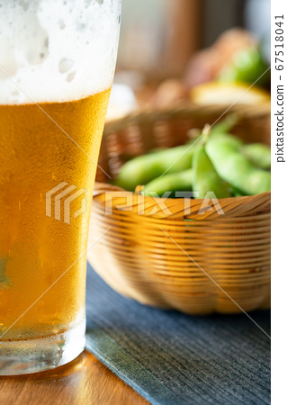 완두콩과 맥주 67518041