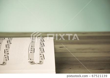 活頁樂譜的特寫。復古風格 67521139