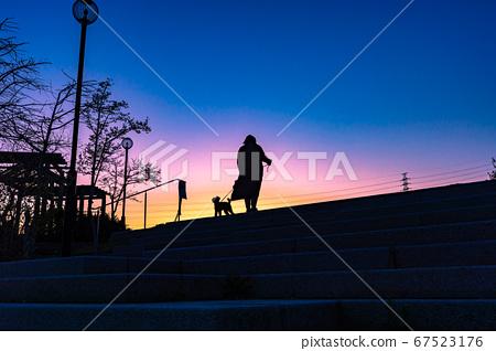 노을 북쪽 공원, 실루엣 풍경, 다카라즈카 山手台 67523176