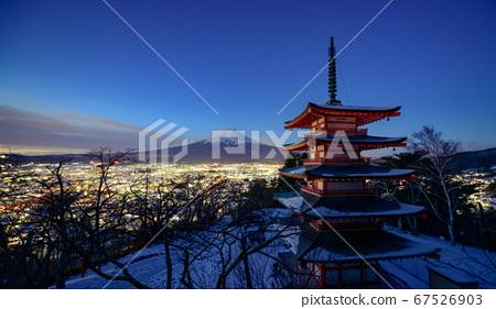 Mt. Fuji with Chureito Pagoda, Fujiyoshida, Japan 67526903