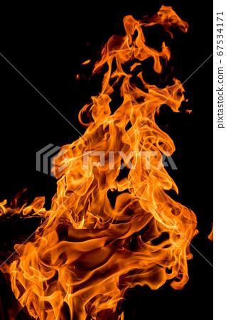 烈火的形狀 67534171