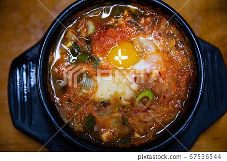 大豆芽湯,一種韓國傳統食品,可預防成人疾病並保持健康 67536544