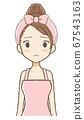 곤란한 표정의 실내복 여자 상반신 67543163