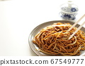 Fried noodles with poultry and sweets 67549777