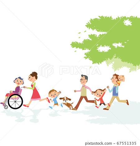 三代家庭的奶奶 67551335