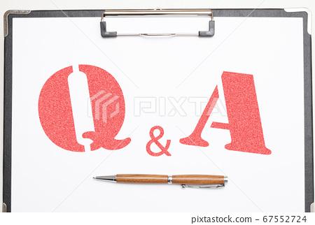 剪貼板和圓珠筆問答圖像問答圖像 67552724