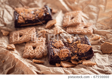 Delicious chocolate brownies with speculaas 67556660