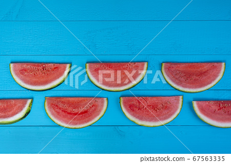 Watermelon slices 67563335