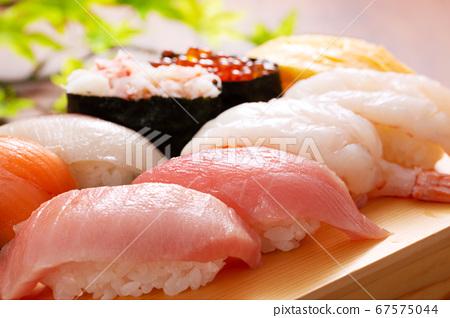 壽司木製板的形象 67575044