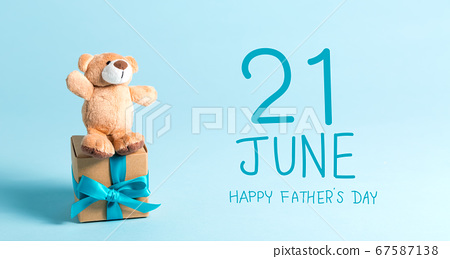 Father's Day message with teddy bear 67587138
