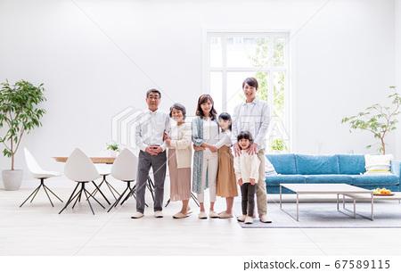 세 가족, 거실, 마이 홈 67589115