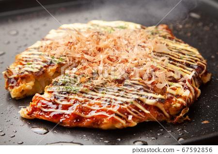 Okonomiyaki 67592856