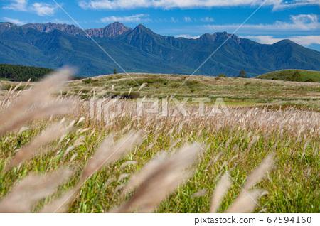 高原上的秋天和八嶽山脈 67594160