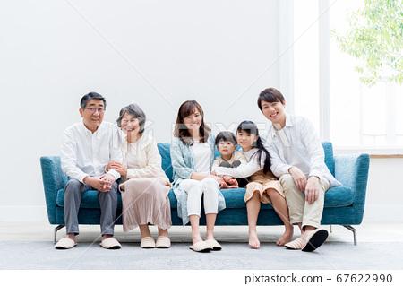 三代家庭,客廳,家庭,沙發 67622990